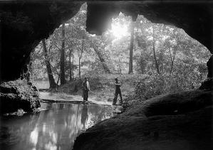 Imagen: cueva. La cruz del diablo