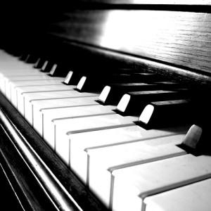 Matías Martín al piano